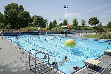 Centre aquatique charente maritime aquarelle et piscine for Aquarelle piscine hotel seneffe
